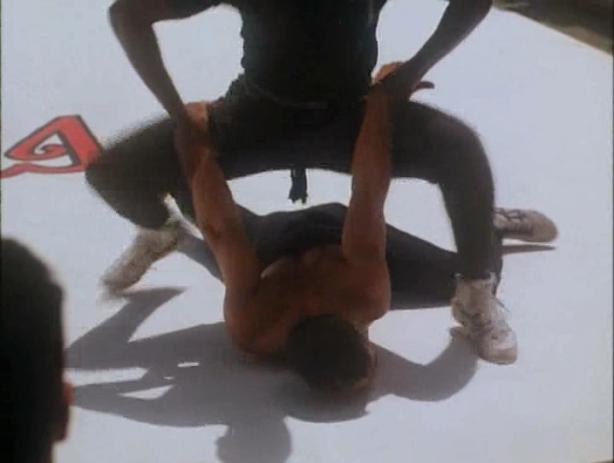 Kickboxer 4 The Aggressor (1994) DVDR NL Subs NLT-Release (DivX).avi_003270120